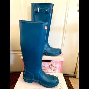 Authentic Tall Turquoise Hunter Rain boots Sz 6